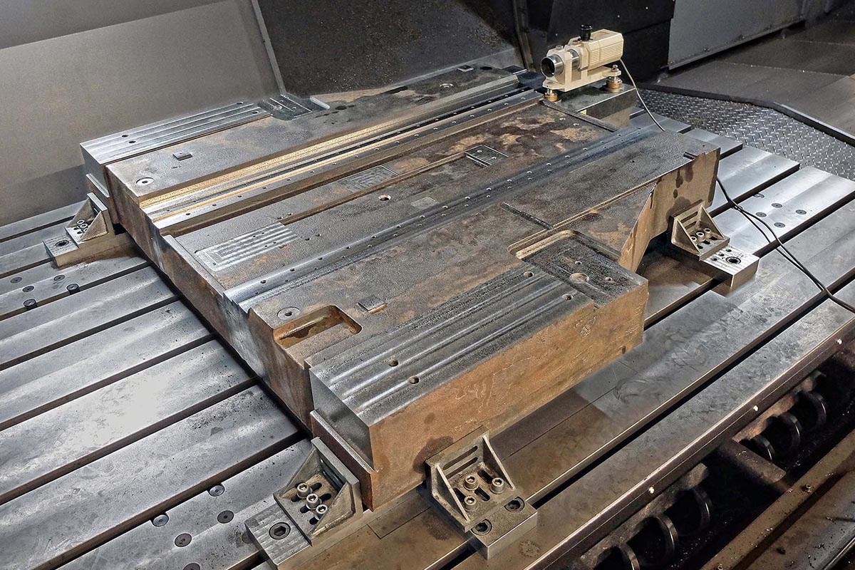 Large castings milled to ± 5 microns straightness and